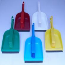 Balayette : souple 27,5 x 4,5 cm - avec ramasette 32,5 x 22,5 cm - rouge photo du produit